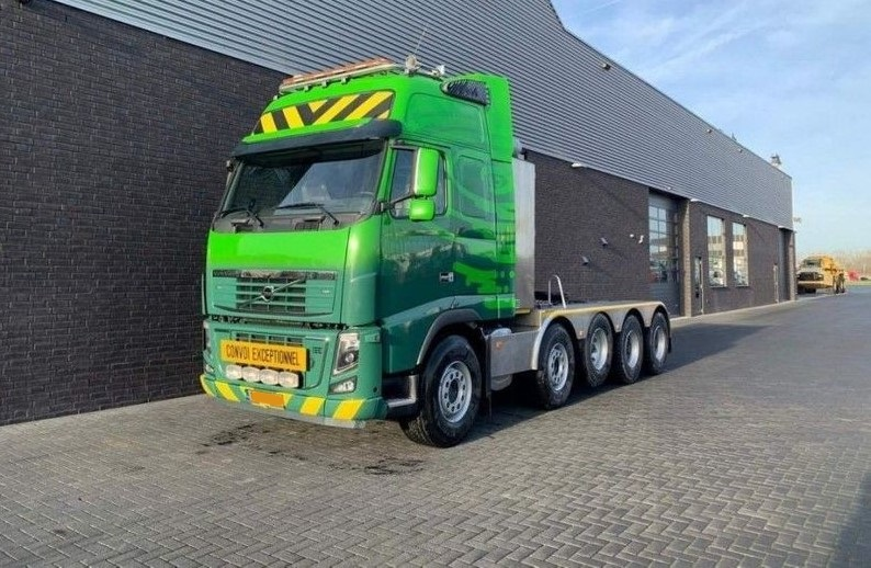 GT.9135 Volvo FH16 700 10x4 Heavy Duty Tractor (2)