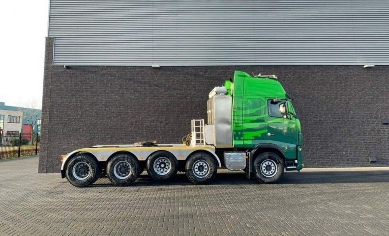 GT.9135 Volvo FH16 700 10x4 Heavy Duty Tractor (4)