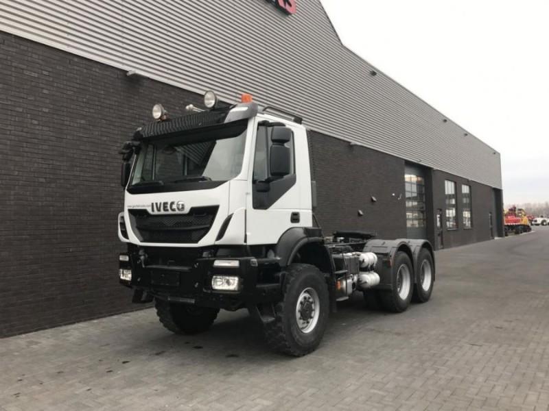 Iveco – TRAKKER 450 6X6 TRACTORS1