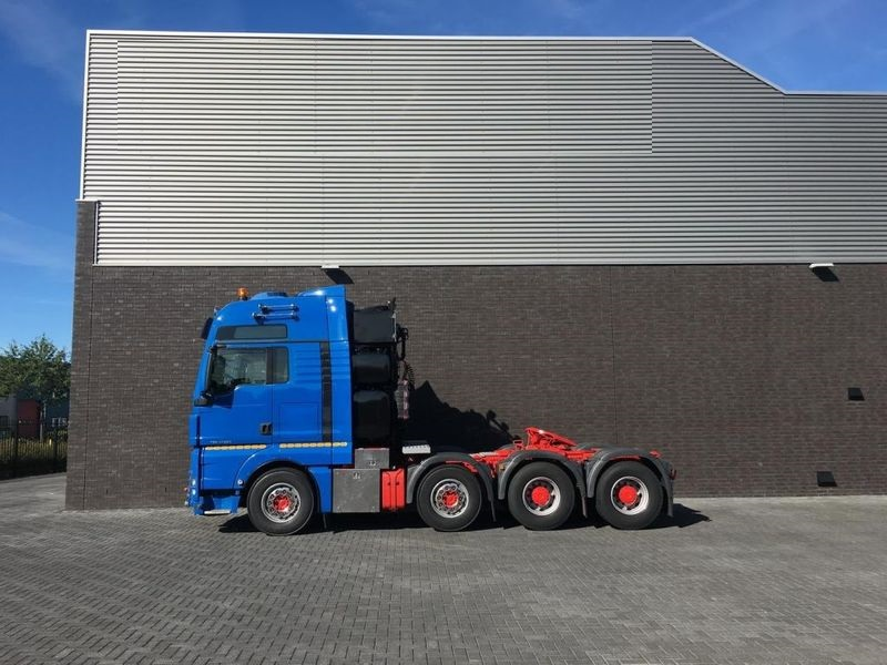 MAN TGX 41.680 8x4 Heavy Duty Tractor (1)