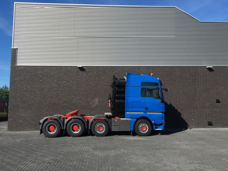 MAN TGX 41.680 8x4 Heavy Duty Tractor (4)