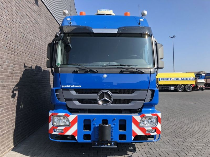 Mercedes Benz 4160 SLT 8x4 Heavy Duty Tractor 250t (2)