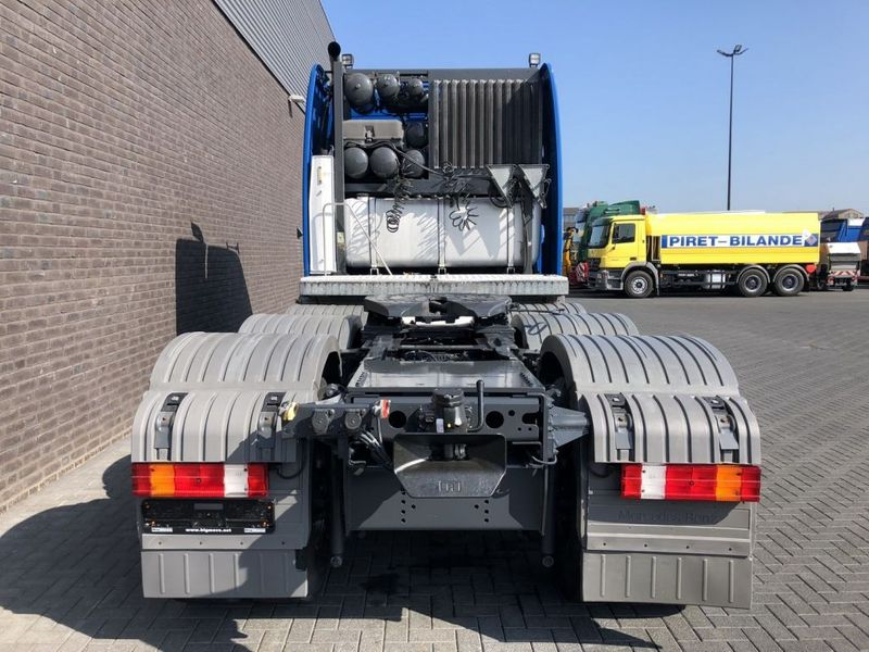 Mercedes Benz 4160 SLT 8x4 Heavy Duty Tractor 250t (5)