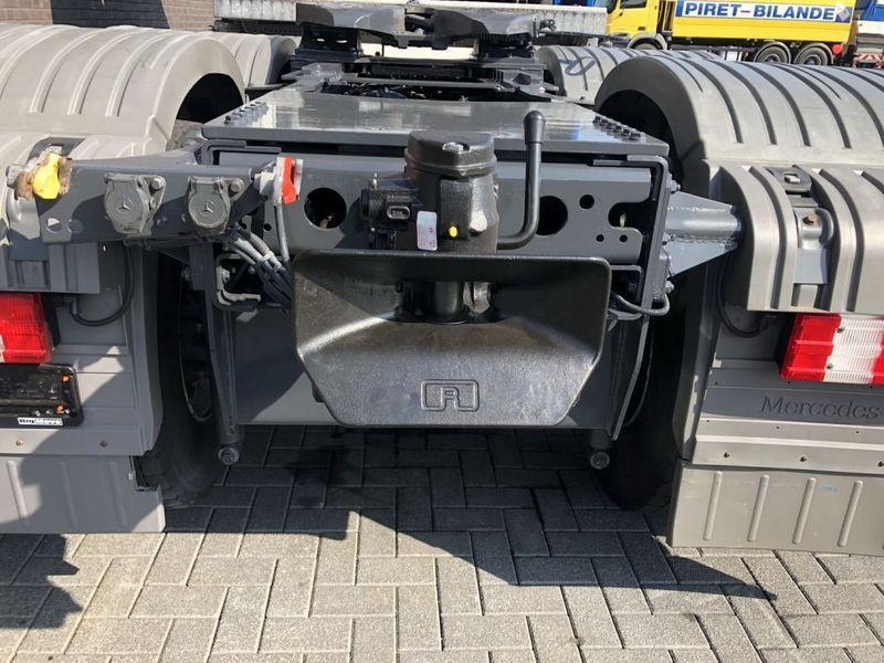 Mercedes Benz 4160 SLT 8x4 Heavy Duty Tractor 250t (6)