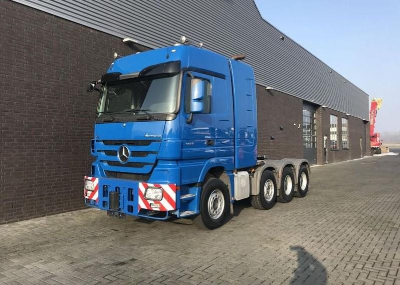 Mercedes Benz 4165 SLT 8x4 Heavy Duty Tractor (2)