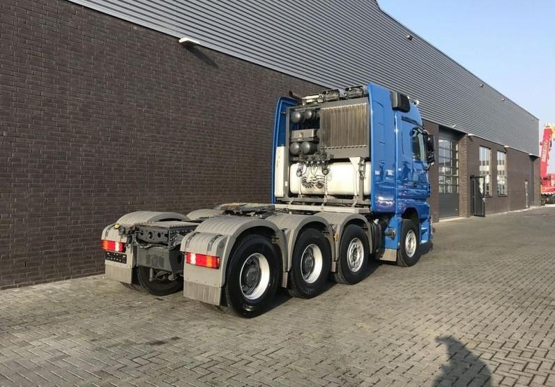 Mercedes Benz 4165 SLT 8x4 Heavy Duty Tractor (5)