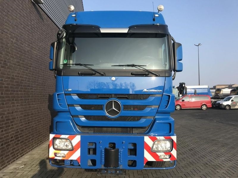 Mercedes Benz 4165 SLT 8x4 Heavy Duty Tractor (6)