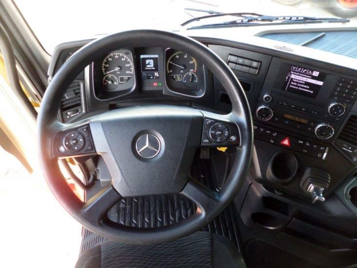 Mercedes-Benz-Actros-2545-6x2-4 (4)