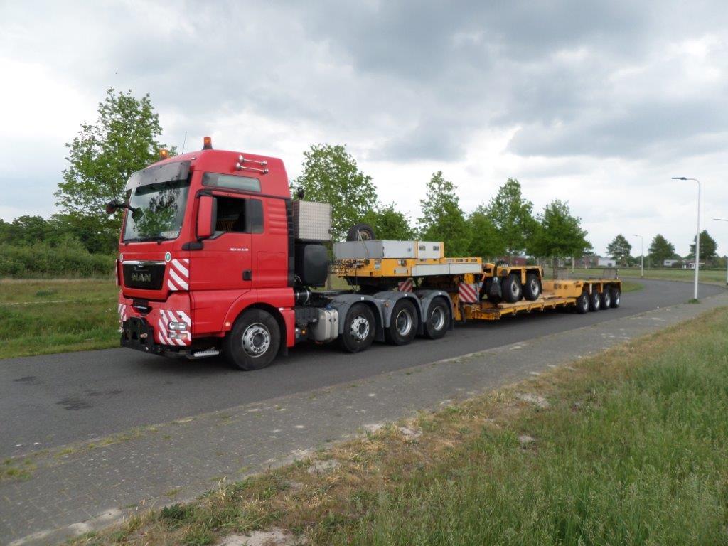 Goldhofer STHP XLE 6 2+4 2011 (2)