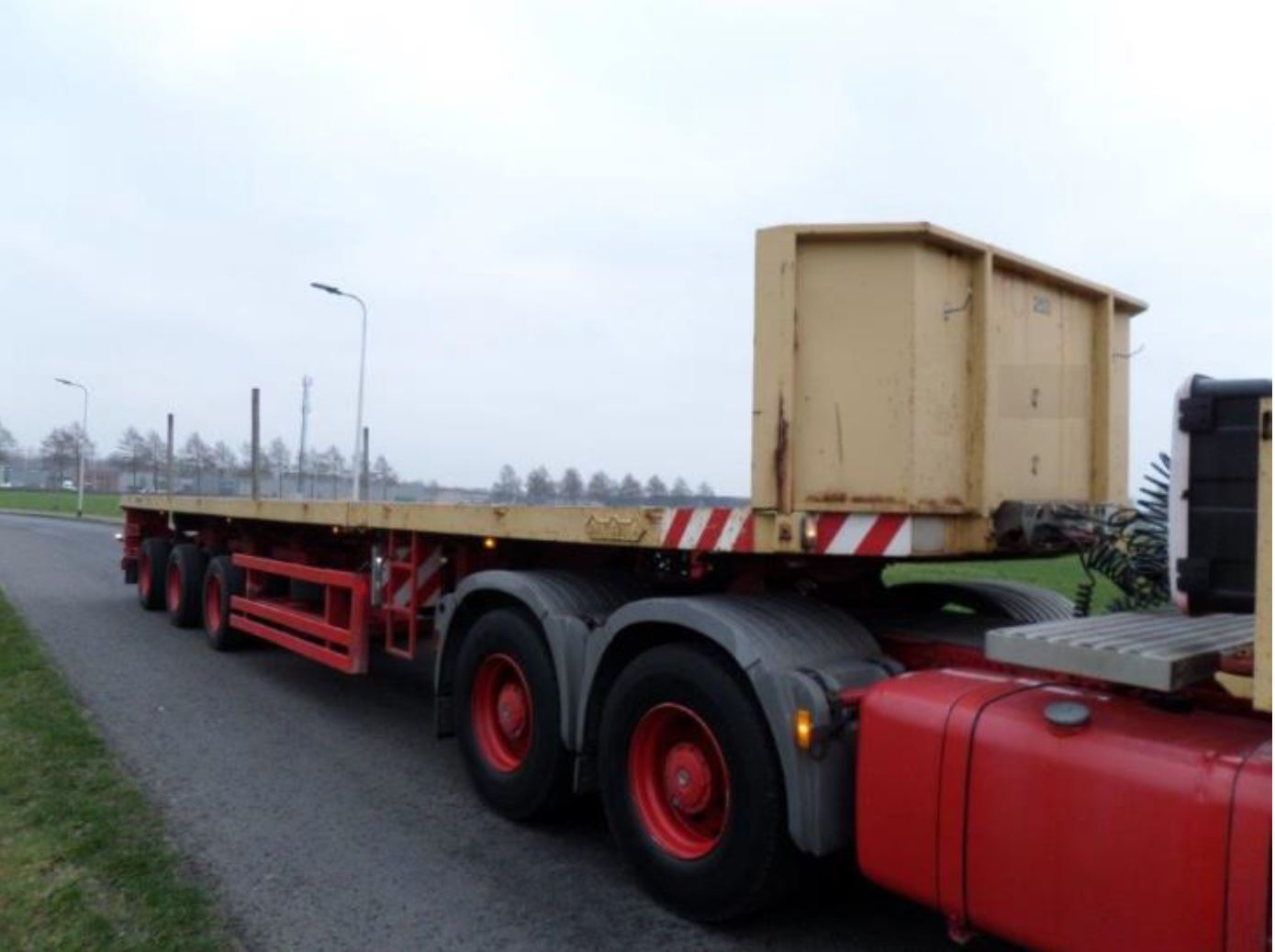 Nooteboom 3 axle tele-trailer 2006 (2)