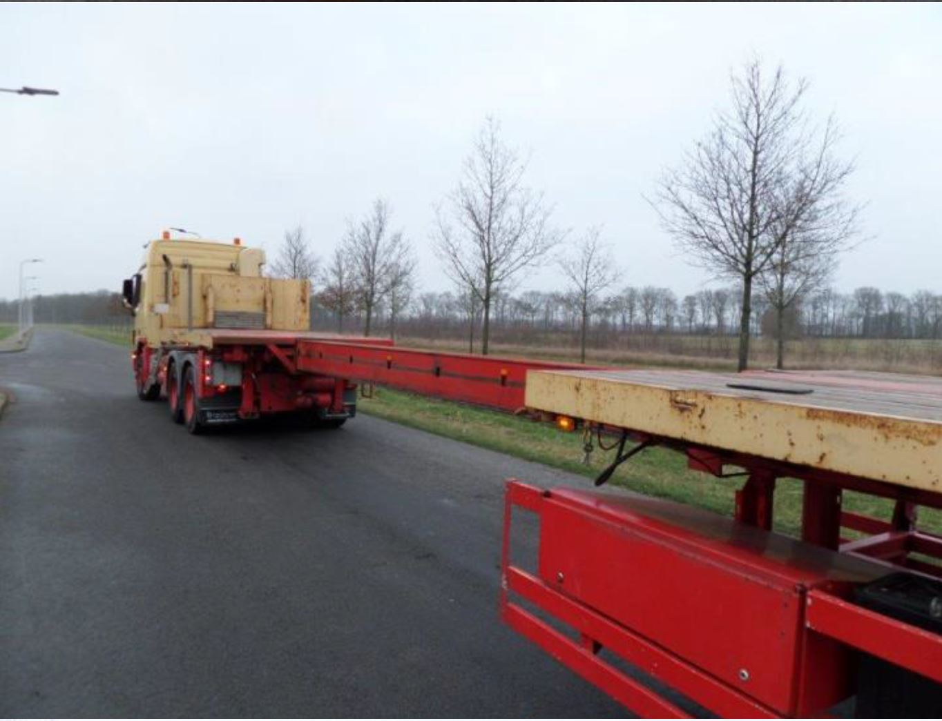 Nooteboom 3 axle tele-trailer 2006 (7)