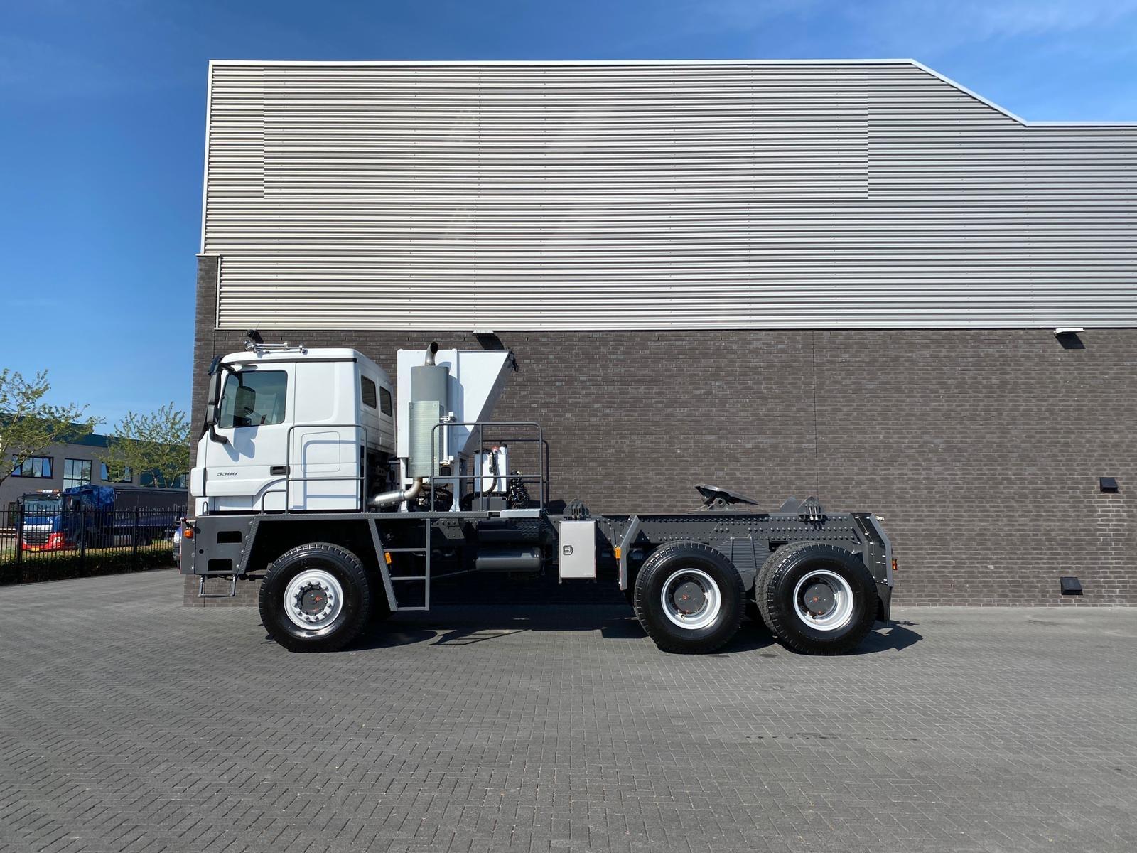 Titan Z52-600F6x6 500ton new 16