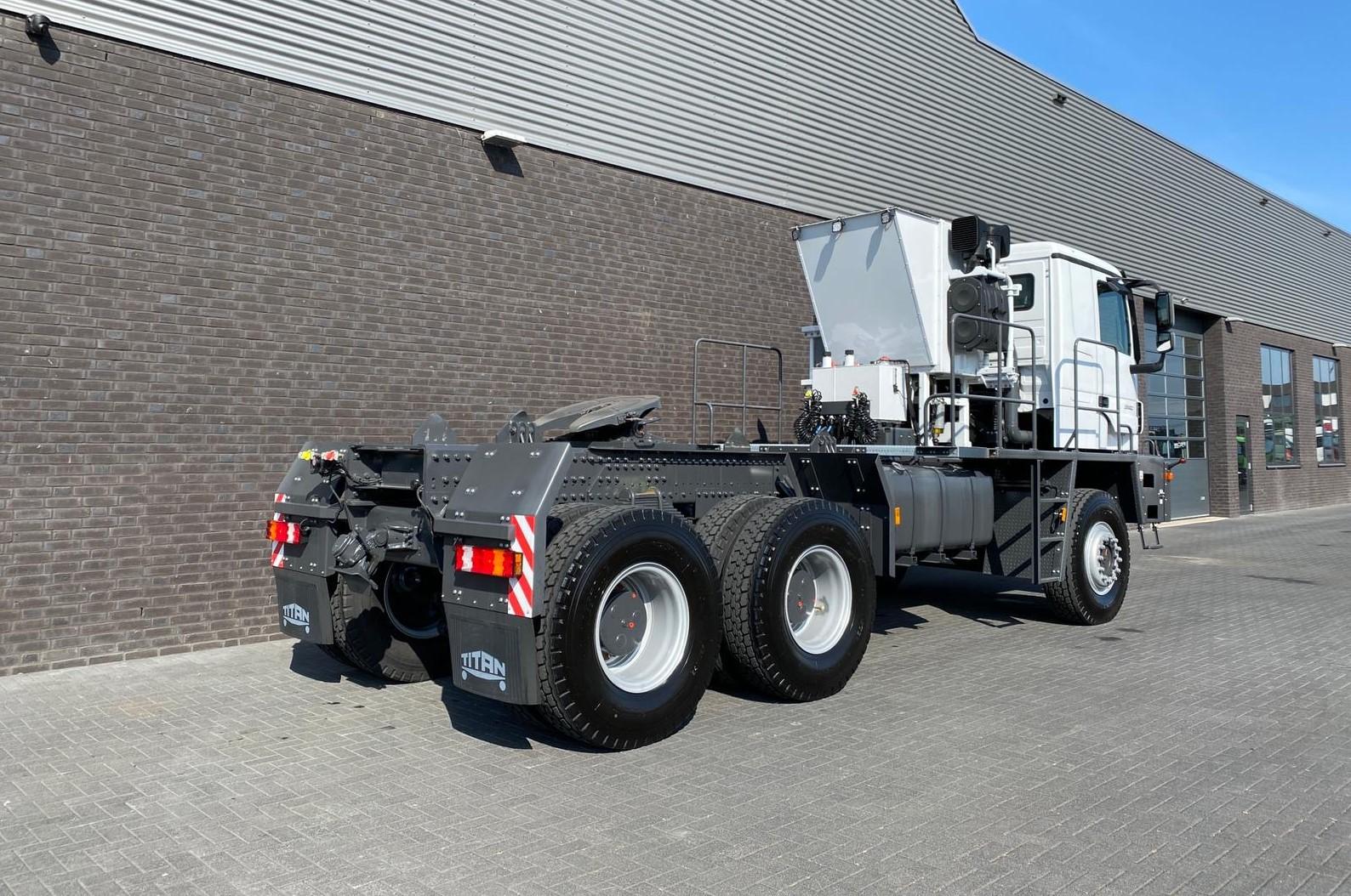 Titan Z52-600F6x6 500ton new 18