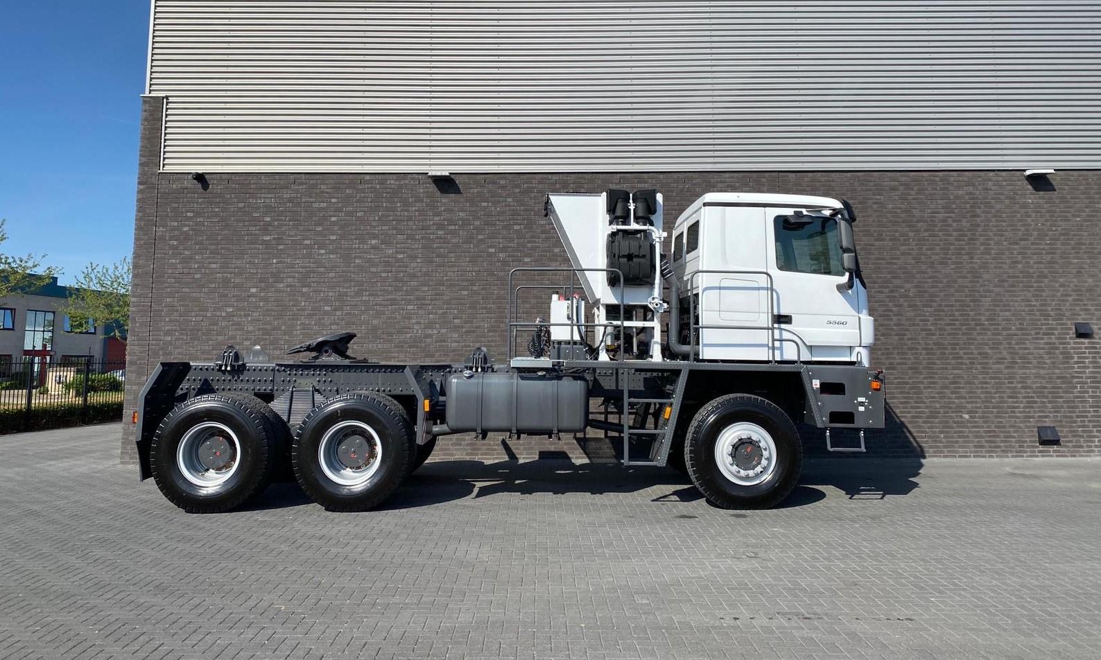 Titan Z52-600F6x6 500ton new 23