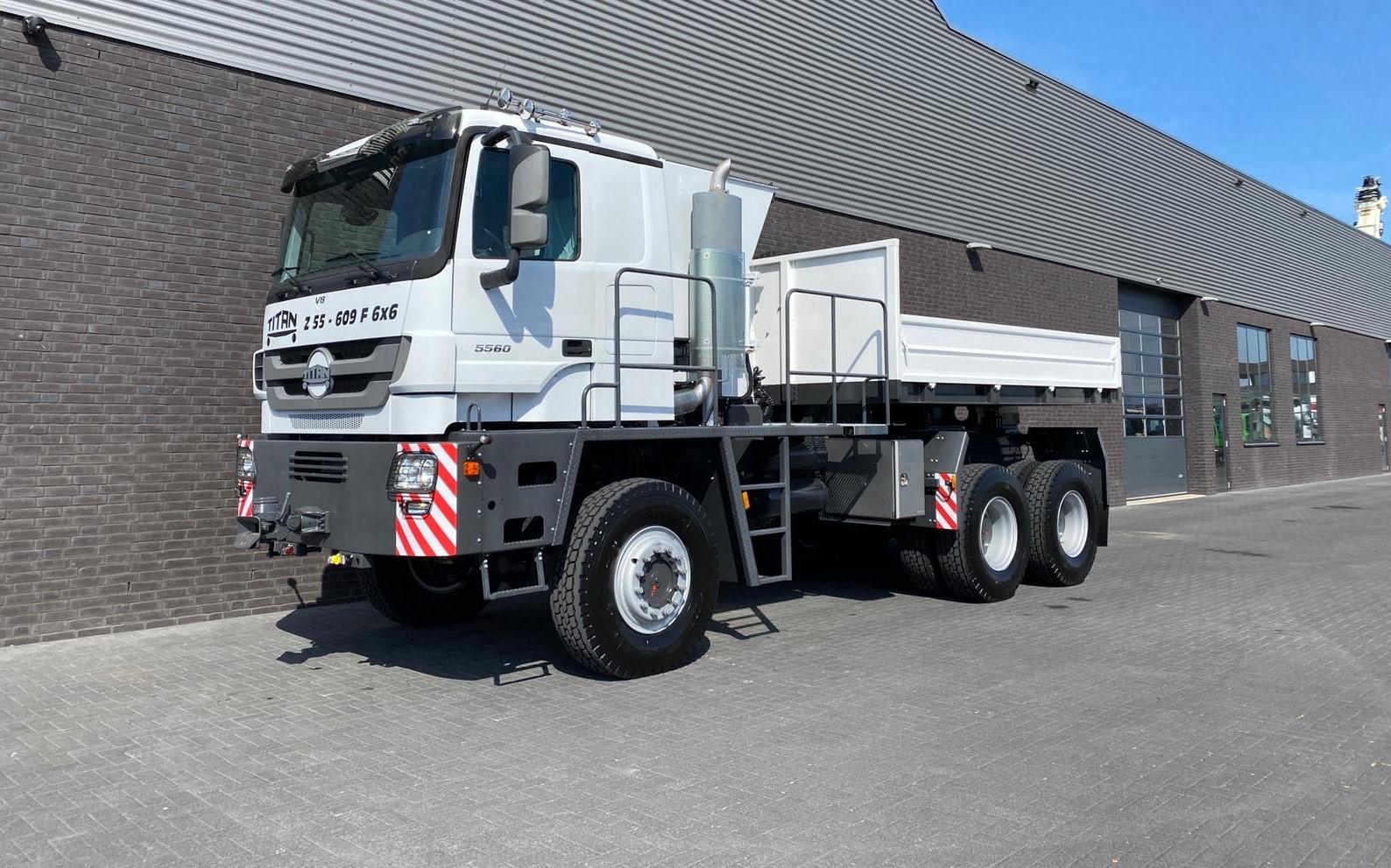Titan Z52-600F6x6 500ton new 27