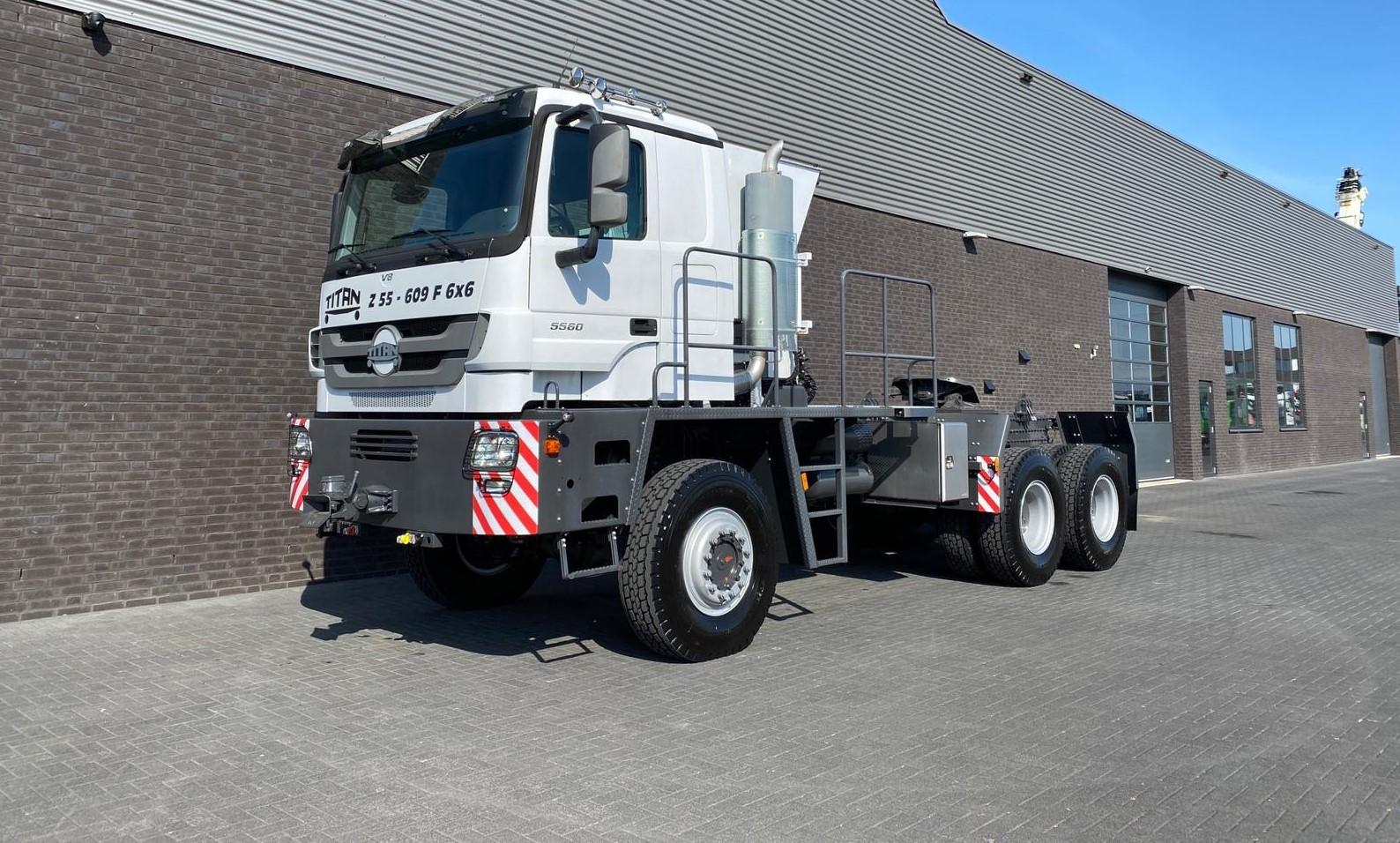 Titan Z52-600F6x6 500ton new 8