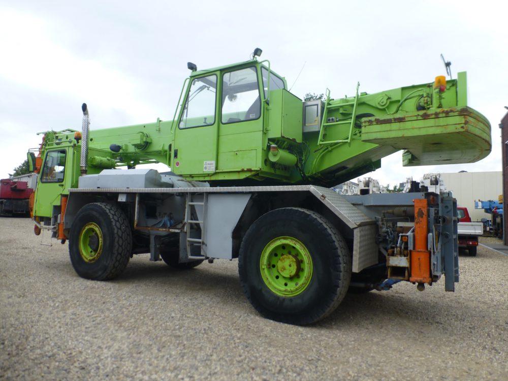 Liebherr LTM 1035-2 1988 (4)
