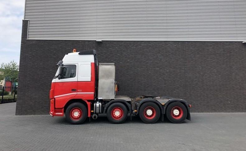 Volvo FH520 8x4 T FAL 18.0 RADD-A8 (1)