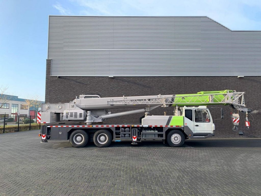 Zoomlion Qy25V51.5 25 Tons (4)