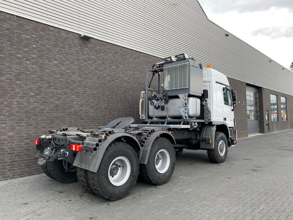 Mercedes BEnz 4061 SLT 6x6 Titan (5)