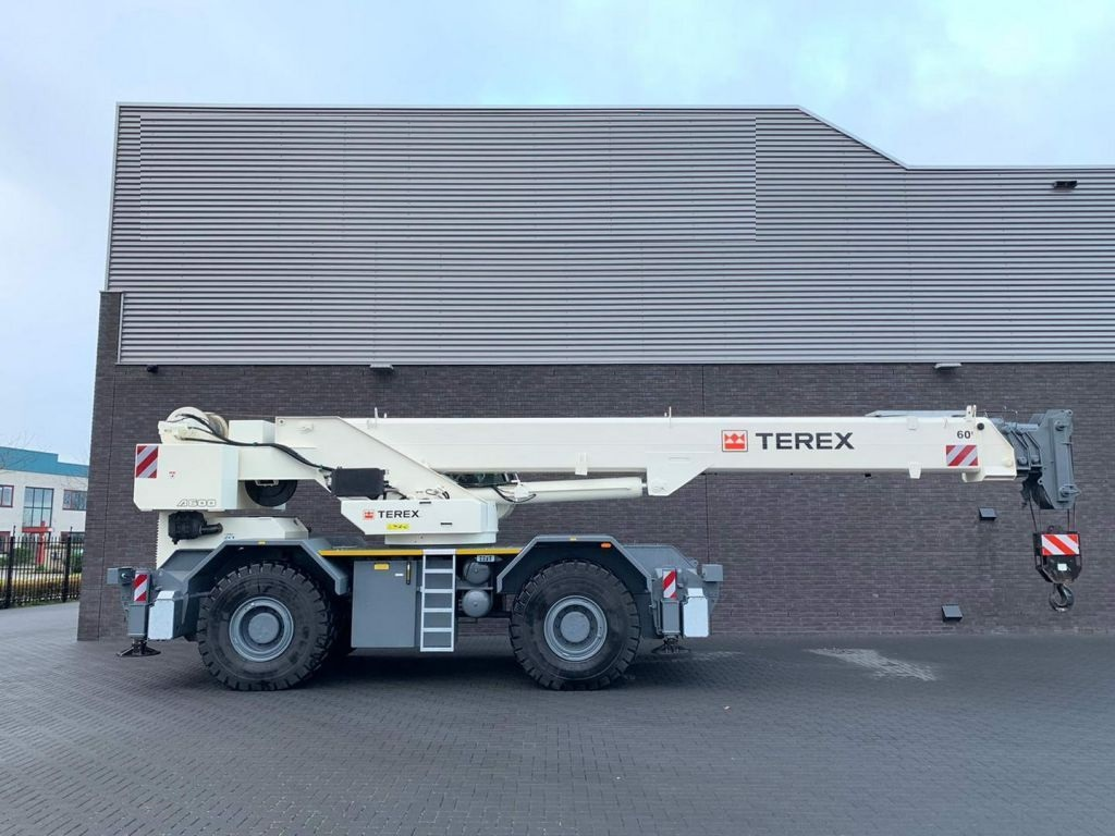 Terex AC 600-1 60 ton 4x4x4 RT Crane (5)