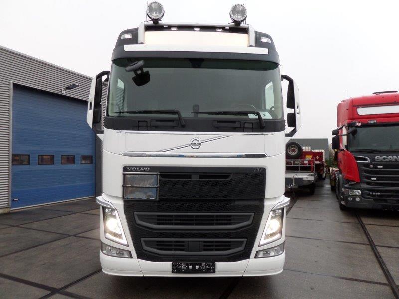 Volvo FH13 540 6X2 2018 (10)