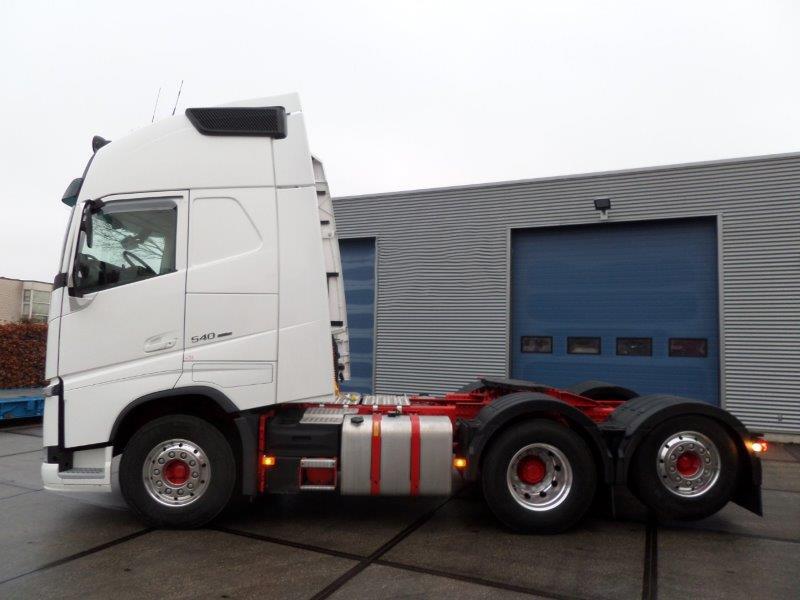 Volvo FH13 540 6X2 2018 (2)