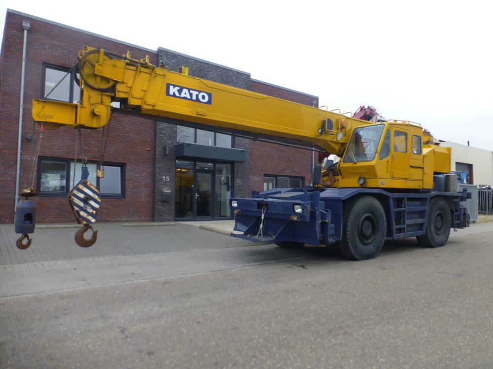 Kato KR 300 (1)