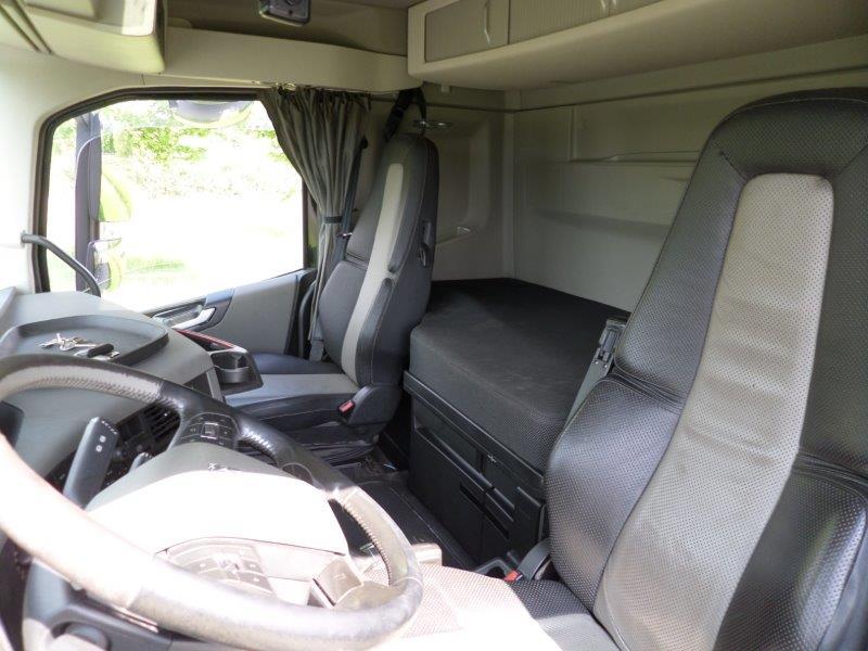 GTH.393 Volvo FH540 Heavy Haulage + kipper box (53)
