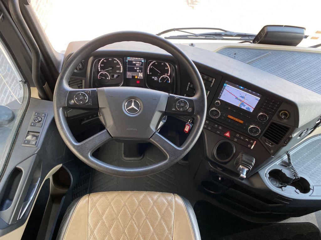 Mercedes Beenz Actros 4158 8x4 2016 (20)