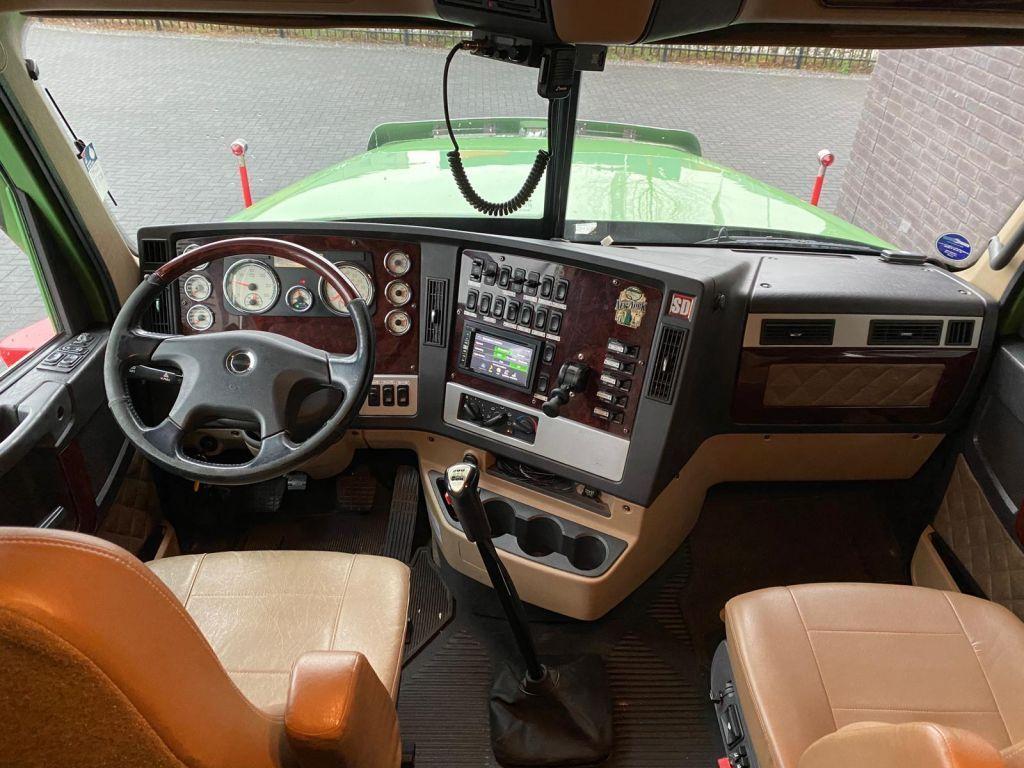 Freightliner Coronada 6x4 Euro 6 2016 (27)