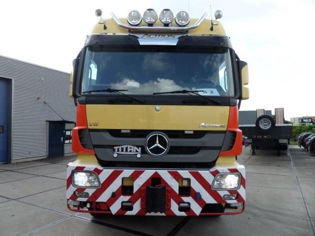 Mercedes-Benz-Actros-4165-V8-8x6-4-Titan-Heavy-Duty-Prime-Mover-plus (4)