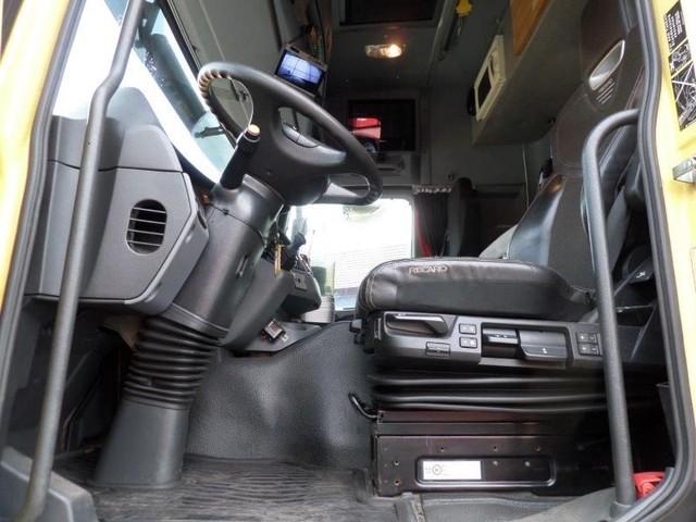 Mercedes-Benz-Actros-4165-V8-8x6-4-Titan-Heavy-Duty-Prime-Mover-plus (5)