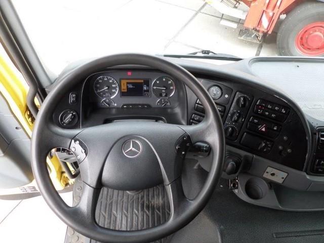 Mercedes-Benz-Actros-4165-V8-8x6-4-Titan-Heavy-Duty-Prime-Mover-plus (6)
