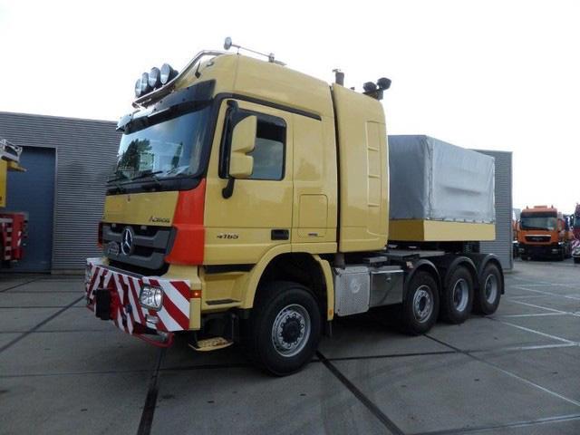 Mercedes-Benz-Actros-4165-V8-8x6-4-Titan-Heavy-Duty-Prime-Mover-plus-Ba (1)