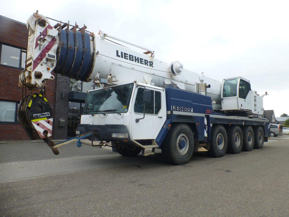 LiebherrLTM1200-1_070155_0-1000x750